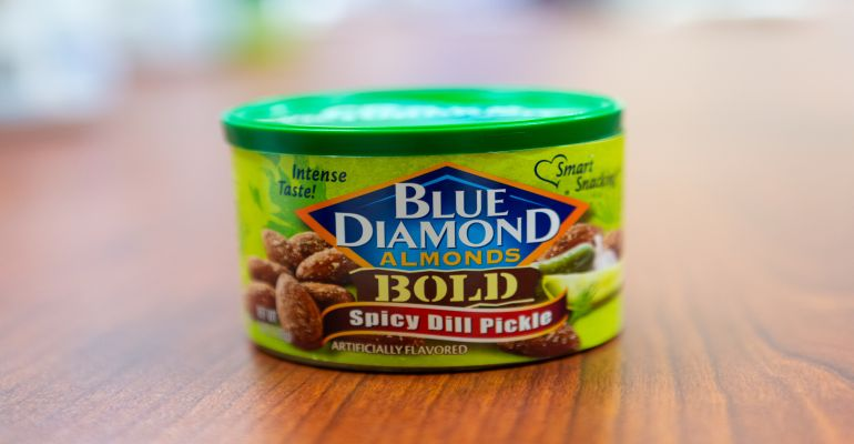 Blue Diamond spicy dill pickle almonds