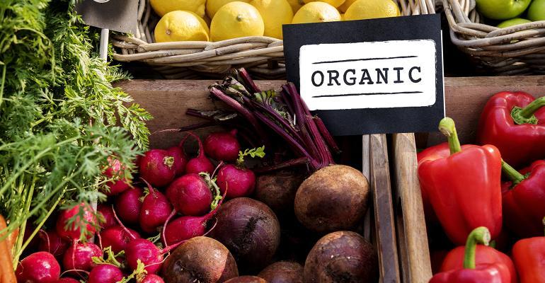 Organic produce sales hit $8.5 billion in 2020, up 14.2%.jpg