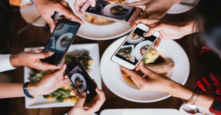 Social media likes influence consumer eating habits.jpg