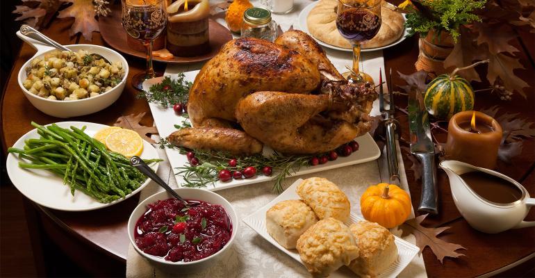 Thanksgiving dinner 4% cheaper in 2020.jpg
